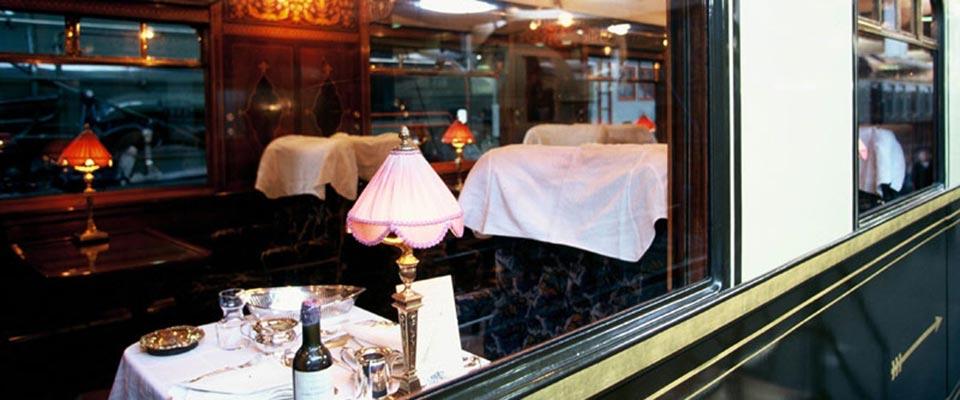 15-les-voyages-voiture-restaurant-c-culturespaces11